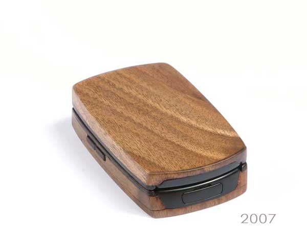 wooden-phone